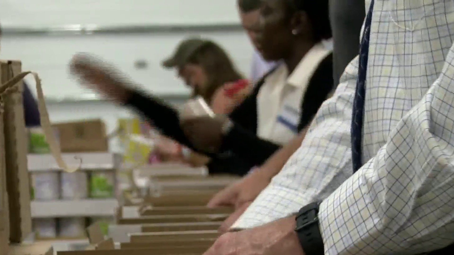 Kroger Christiansburg Va >> Kroger Employees Pack Meals To Feed The Hungry