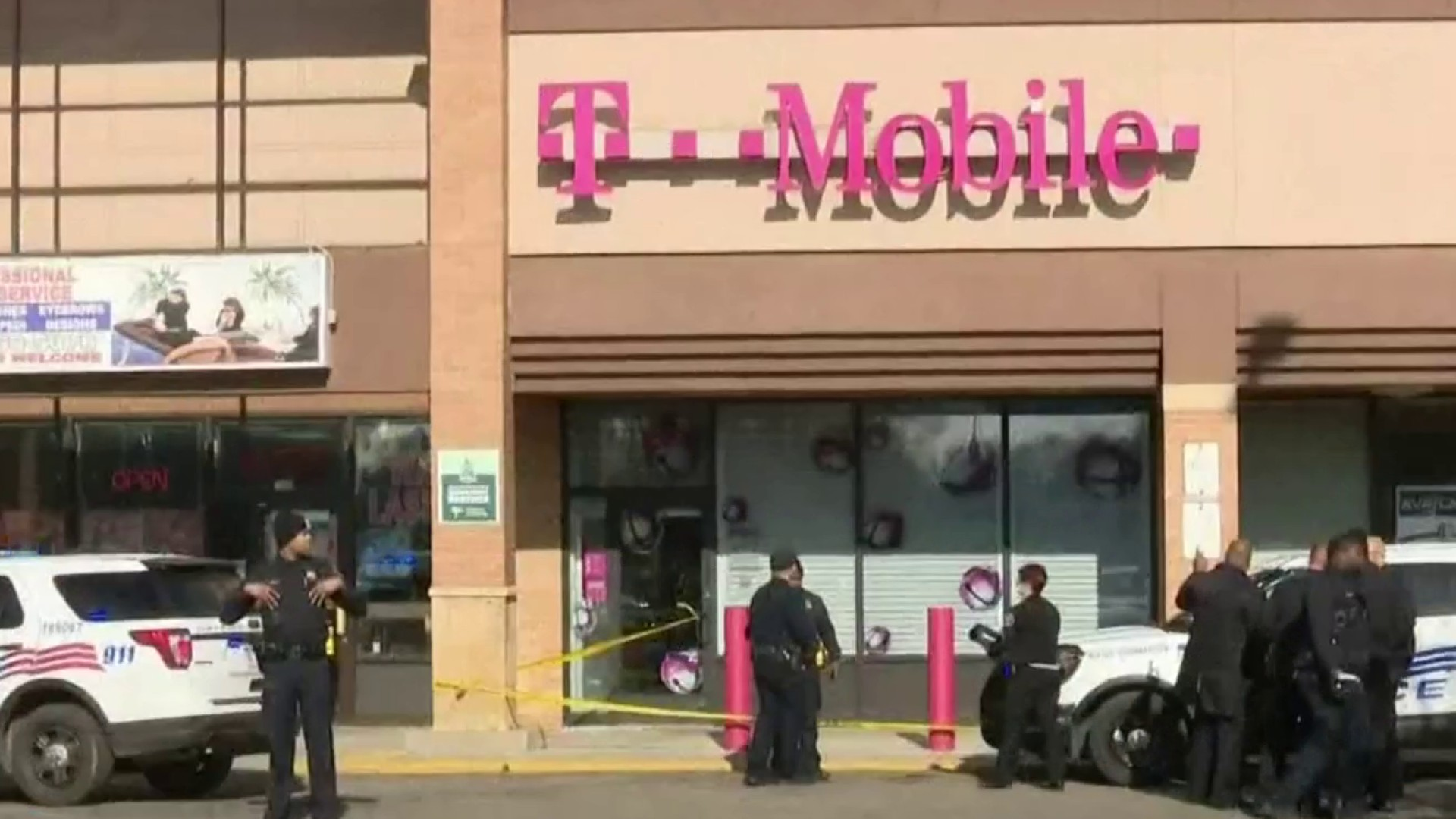 Image result for Shots fired at Detroit cellphone store, attempted robber shot twice